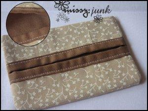 Brown Leaves Tissue Pochette