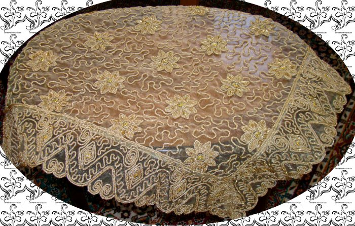 Table covers 3