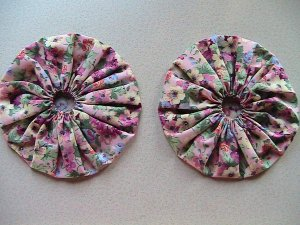 Pair - GIANT Quilting Yo-Yo's - Rose Garden Chintz