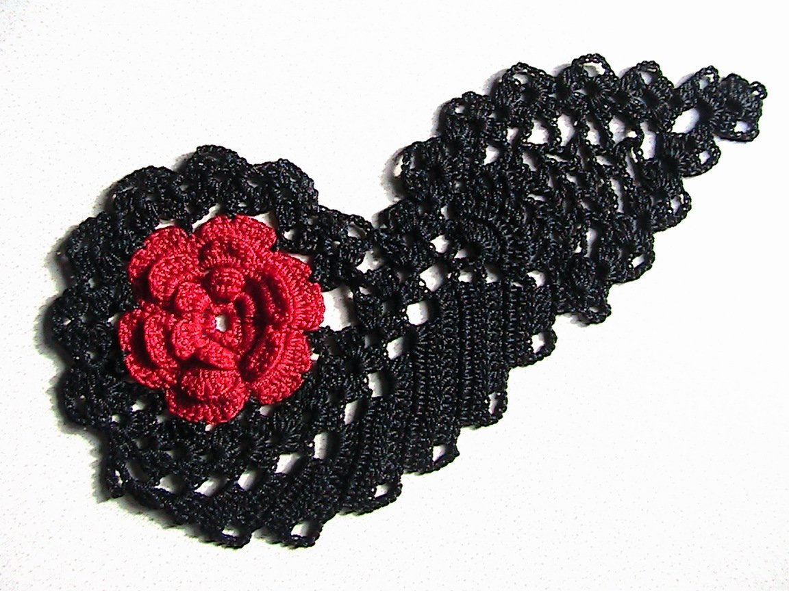 Red Rose Paisley