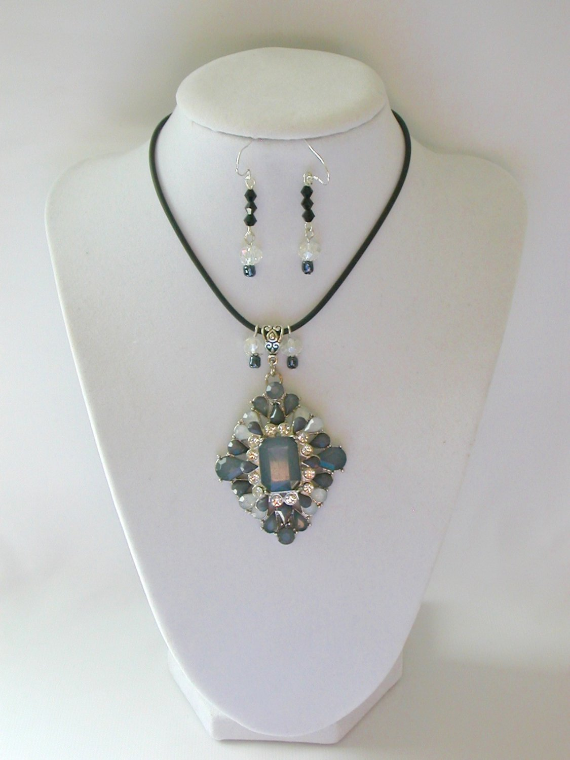Grey rhinestone statement pedant necklace earrings set