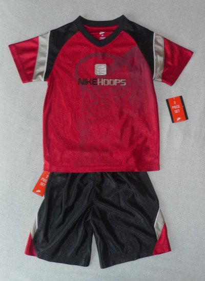 Nike Boys 2 piece Red Basketball Outfit Size 4 NWT