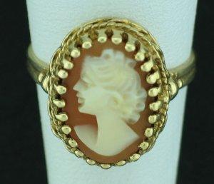 Birks 10K Yellow Gold Cameo Ring Srin2015