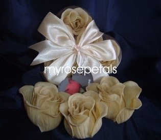 Scented Rose Shaped Soaps in Heart Box - Ivory (Set of 12)- with Satin Ribbon- Wedding Favors