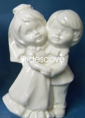 Porcelain Wedding Bride and Groom Cake Topper - Wedding Decoration / Gift - (HS90320)