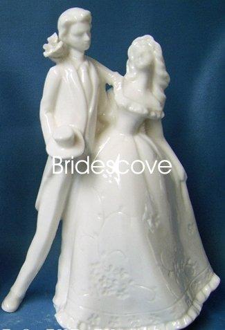 Porcelain Wedding Bride and Groom Cake Topper - Wedding Decoration / Gift - (HS90306)