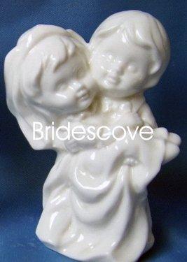 Porcelain Wedding Bride and Groom Cake Topper - Wedding Decoration / Gift - (HS90317)