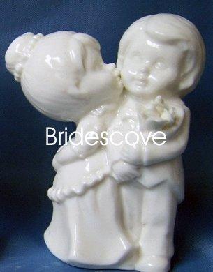 Porcelain Wedding Bride and Groom Cake Topper - Wedding Decoration / Gift - (HS90318)