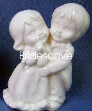 Porcelain Wedding Bride and Groom Cake Topper - Wedding Decoration / Gift - (HS90328A)
