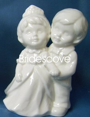 Porcelain Wedding Bride and Groom Cake Topper - Wedding Decoration / Gift - (HS90322)