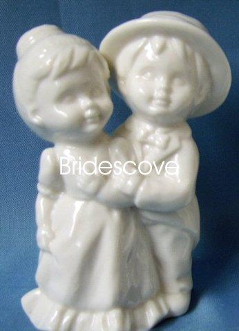 Porcelain Wedding Bride and Groom Cake Topper - Wedding Decoration / Gift - (HS90319)