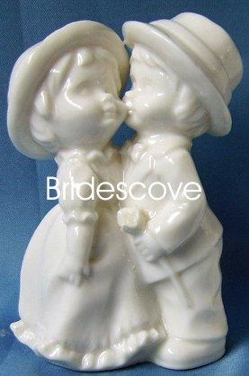 Porcelain Wedding Bride and Groom Cake Topper - Wedding Decoration / Gift - (HS90321)