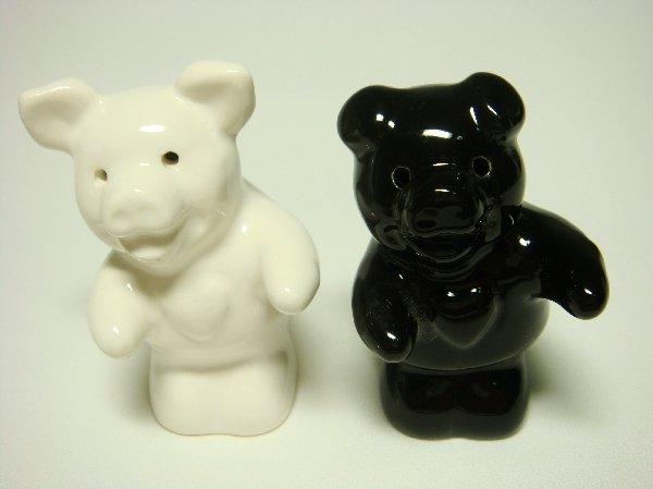 Ceramic Salt & Pepper Shakers Black & White Pig Hug