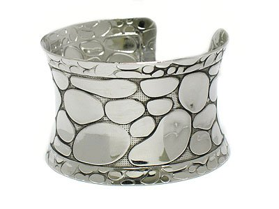 Wide bangle bracelet(O11129SL-112143)