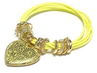 Filigree heart charm bracelet(D11141YL-2539)