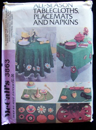 Vintage 70�s McCall�s 3863 Seasonal tablecloth Placemat Napkins and Tree Skirt Pattern Uncut
