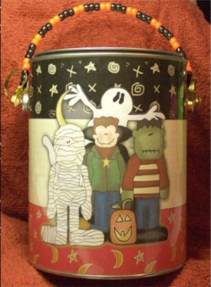ALTERED PAINT CAN HALLOWEEN THEME    Boo Can #1