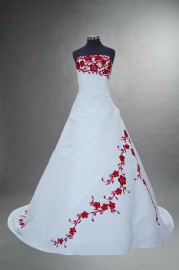 Sexy princess gown Evening dress costom make Embroidered