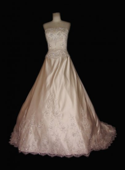 Sexy princess gown Satin pick-up ball gown with Metallic Embroidered Lace evening dress custom make