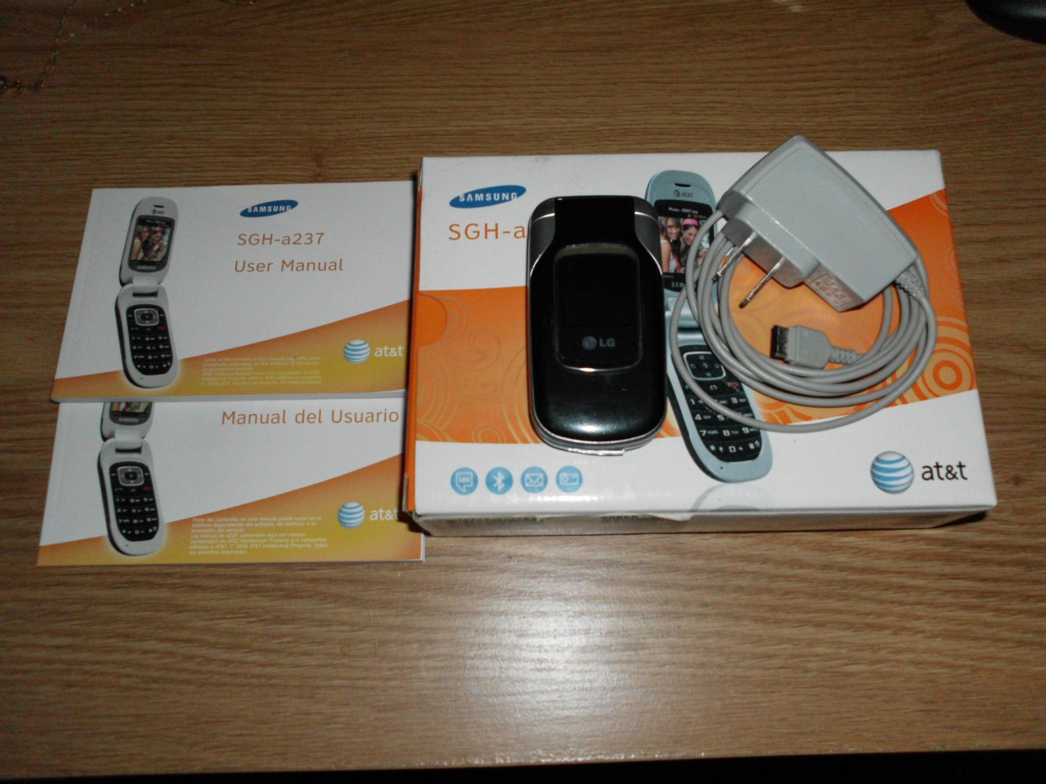 Samsung SGH-A237 Camera Cell Phone AT&T-Mobile