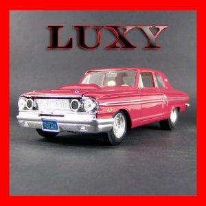 1.24 1964 Ford Fairlane Thunderbolt Maisto Diecast Car Model Red