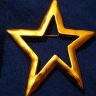 STAR Pin Brooch Gold Tone