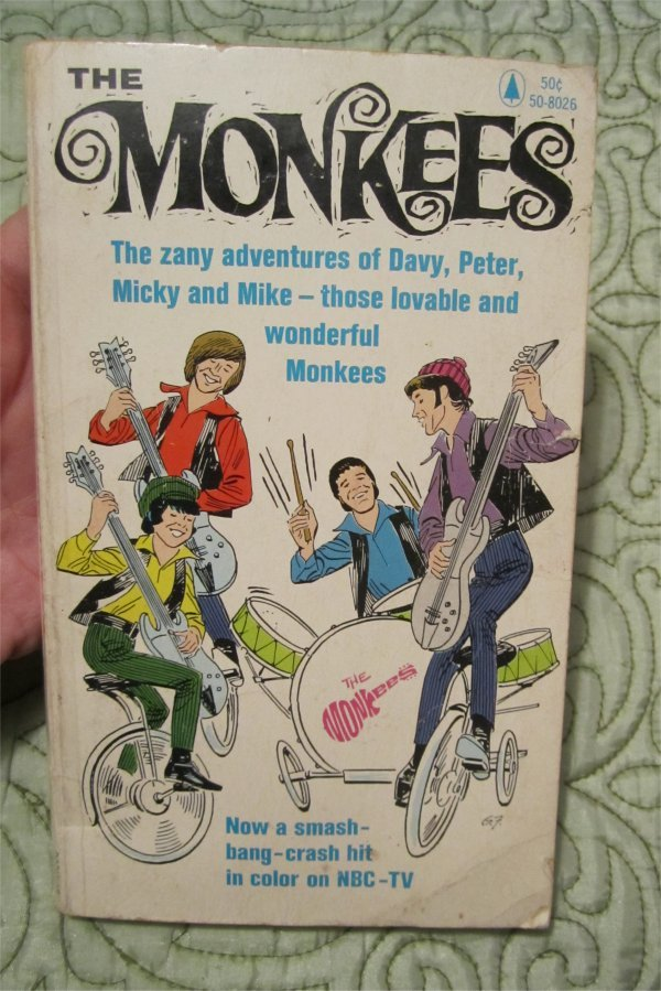 THE MONKEES Band Cartoon/Comic Softcover paperback book RARE (fawcette / liss)1966
