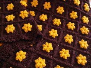 GOLD FLOWERS AFGHAN DOUBLE YARN HANDMADE CROCHET CROCHETED