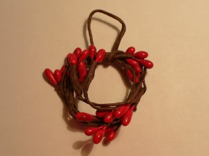 Primtive Berry Wreath Burgundy- Wooden Miniature