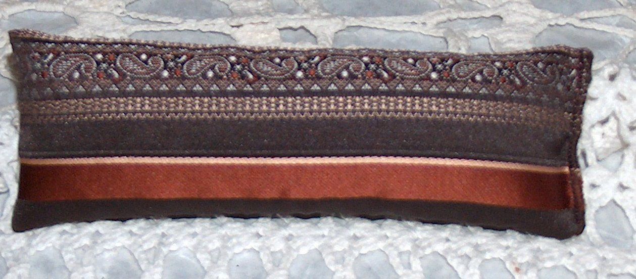 Brown paisley & striped sachet with lavender buds