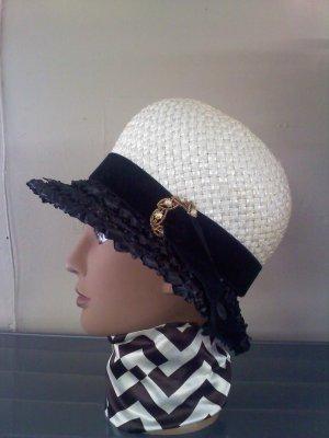 Black and white straw Christine Original Park Ave New York bubble vintage hat