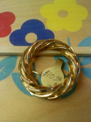 gold twist vintage circle pin brooch