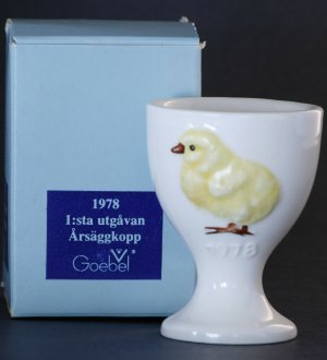 Goebel 1978 Chicken Egg Cup with Box