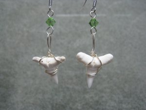 Wired Shark Tooth Peridot Swarvoski Crystal Dangle Sterling Silver Ear Rings