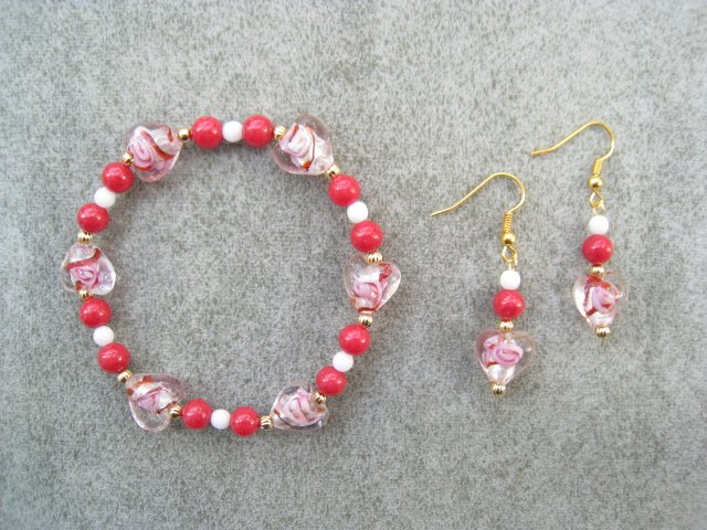Red Pink Hearts Cherry Red Jade Stretch Bracelet Ear Rings Set