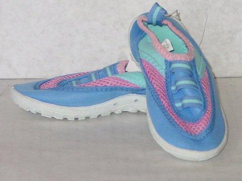 Kids' Beach Shoes(1 CASE=107 PRS)