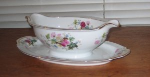 Noritake Gardena Gravy Boat With Attached Underplate Pink Red White Blue Floral