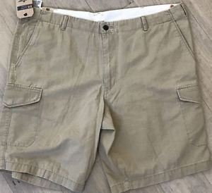 Dockers Men's D3 Classic-Fit Flat Front Solid 11-Inch 100% Cotton Cargo Shorts