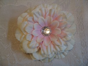4 inch dahlia on alligator clip - Ivory