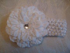 Crochet headband with matching dahlia daisy - white
