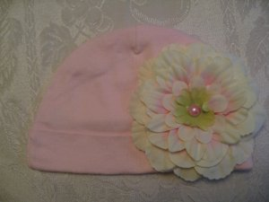 Toddler pink cotton beanie with ivory flower