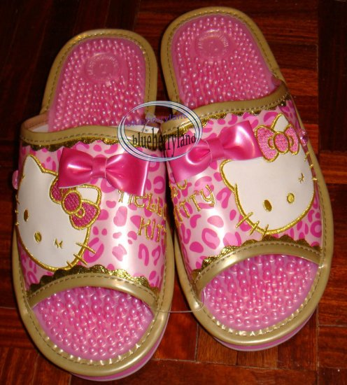 Sanrio HELLO KITTY Massage Slip-on Slipper Shoe Sandals