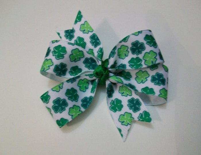 Shamrock Medium Boutique Bow