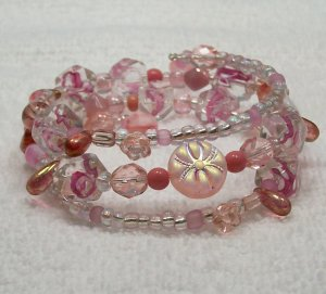Pale Pink beaded Memory Wire Bracelet.. Visit our store twodotts.ecrater.com