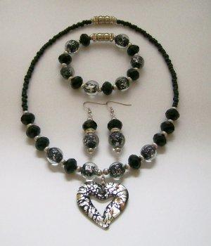 Black & Silver tone heart necklace, ear rings & bracelet set.