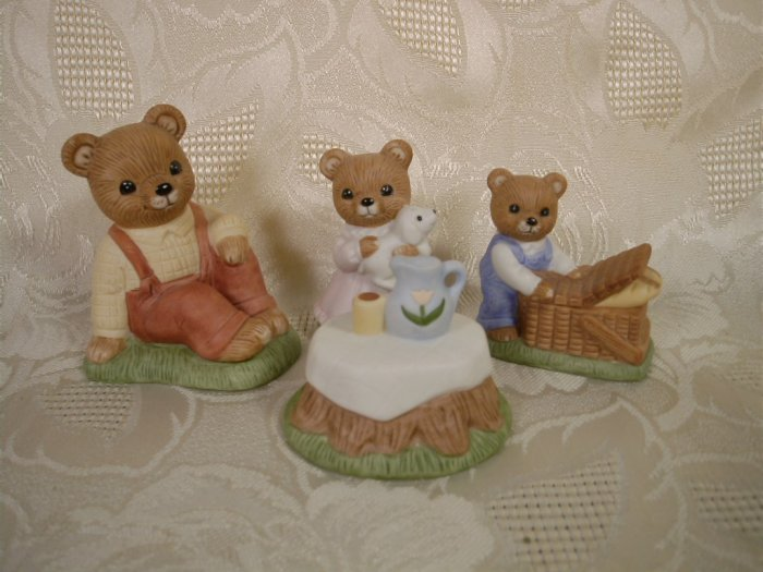 HOMCO BEAR FIGURINES ON A PICNIC 4 PC. SET #1462 *SHIPS FREE*