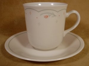 CORNING CORELLE CALICO ROSE MUGS/CUPS W/SAUCERS
