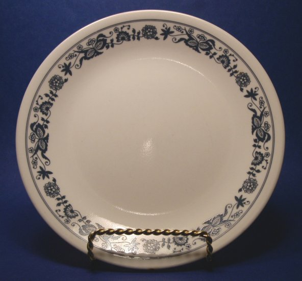 CORELLE OLD TOWN BLUE ONION LUNCHEON PLATES - SET OF 4