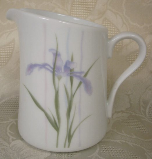 CORNING CORELLE SHADOW IRIS CREAM OR SYRUP PITCHER