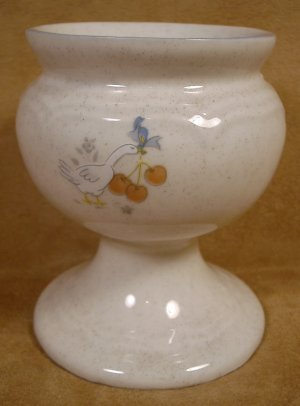 INTERNATIONAL CHINA MARMALADE GEESE CANDLE HOLDER
